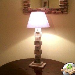 Lámpara de Madera con Tacos...