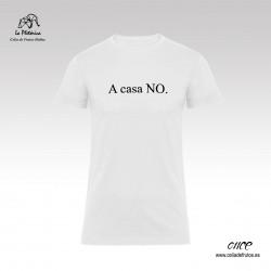 """Camiseta """"A casa NO"""" de La..."""